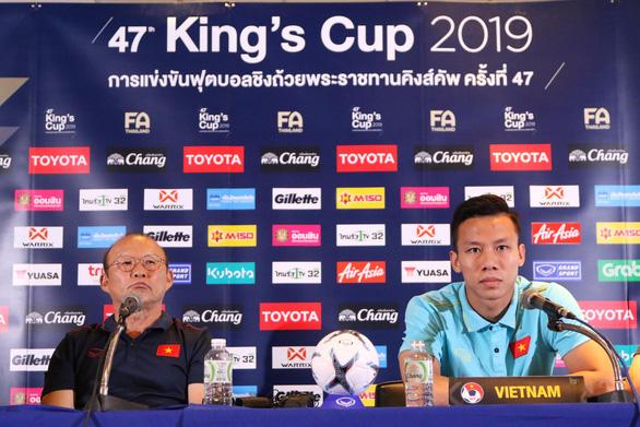 HLV Park Hang Seo đính chính chuyện 'xem thường King's Cup' - Ảnh 2.
