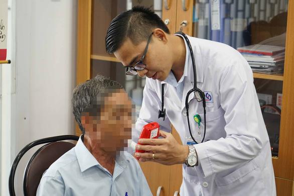 Nhân viên y tế cũng... không biết phòng tư vấn cai nghiện thuốc lá ở đâu - Ảnh 1.
