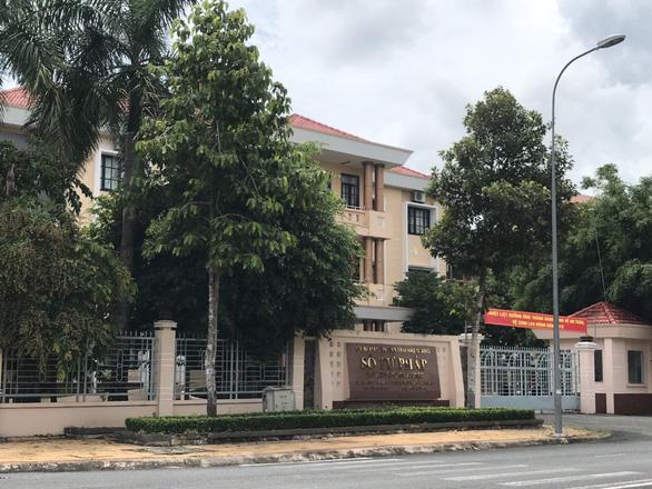 Phó giám đốc Sở Tư pháp Hậu Giang kiên quyết không nhận quyết định điều động - Ảnh 1.