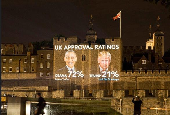 Ông Trump thăm Anh: Lãnh đạo trải thảm đỏ, dân la ó, biểu tình - Ảnh 2.