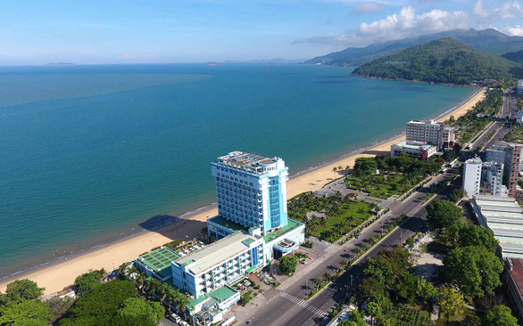 Dành không gian biển cho cộng đồng: Bình Định dời 3 khách sạn lớn - Ảnh 1.