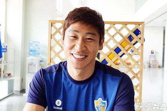 Tuyển thủ Hàn Quốc: Việt Nam sẽ thắng Thái Lan vì có thầy Park - Ảnh 1.