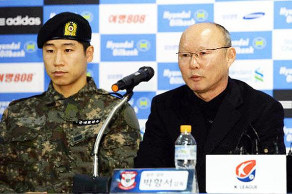 Tuyển thủ Hàn Quốc: Việt Nam sẽ thắng Thái Lan vì có thầy Park - Ảnh 2.