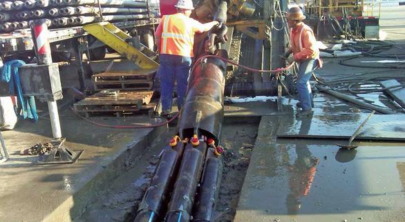 TP.HCM đào đường bằng robot khoan ngầm - Ảnh 2.
