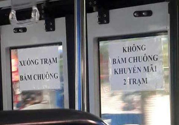 Bóp bụng con gà đi em, nó là chuông xe buýt đó! - Ảnh 3.