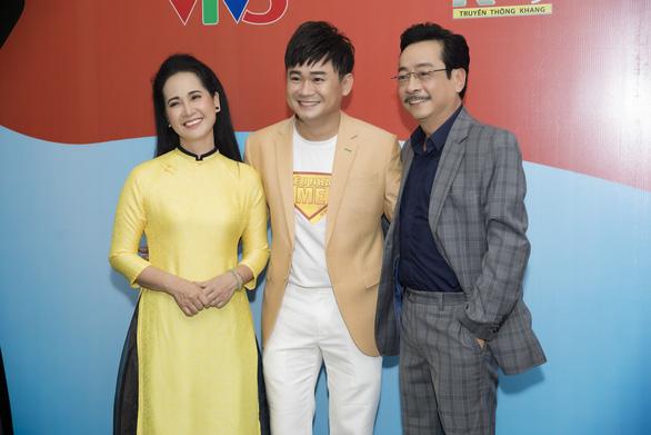 Nghệ sĩ nhân dân Hoàng Dũng, Lan Hương tư vấn cho Siêu nhân mẹ - Ảnh 3.