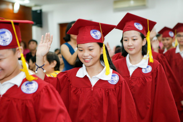 Lễ ra trường nhiều cảm xúc của học sinh lớp 5 IPS - Ảnh 1.