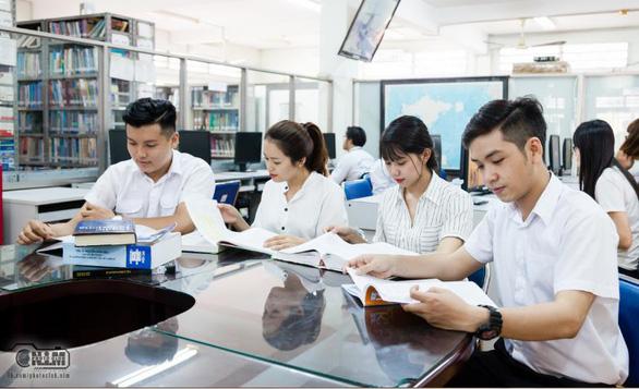 Trường Đại học Mở TP.HCM tuyển dụng tháng 6-2019 - Ảnh 1.