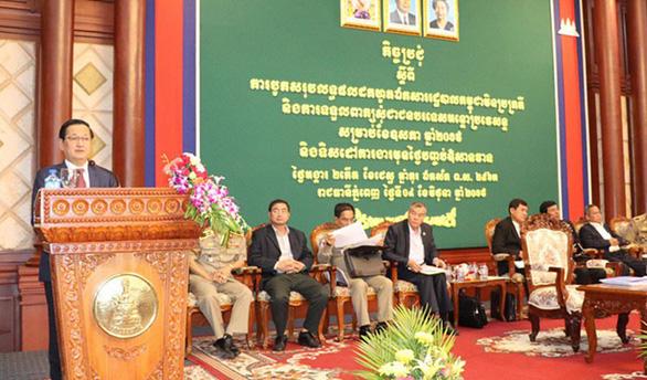 Campuchia thu hồi nhiều giấy tờ của người gốc Việt - Ảnh 1.