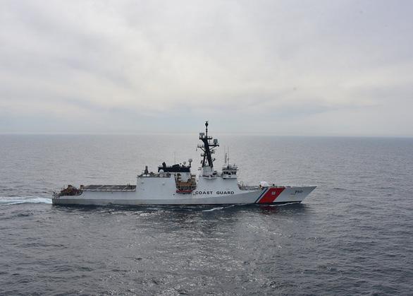 Mỹ điều thêm tàu tuần duyên tới vùng biển gần Triều Tiên - Ảnh 2.