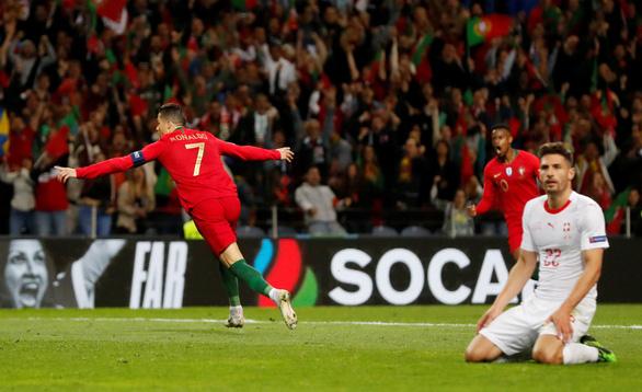 Ronaldo lập hat-trick, Bồ Đào Nha vào chung kết UEFA Nations League - Ảnh 3.