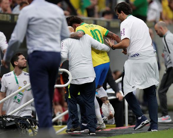 Neymar chấn thương, có nguy cơ lỡ hẹn Copa America - Ảnh 1.