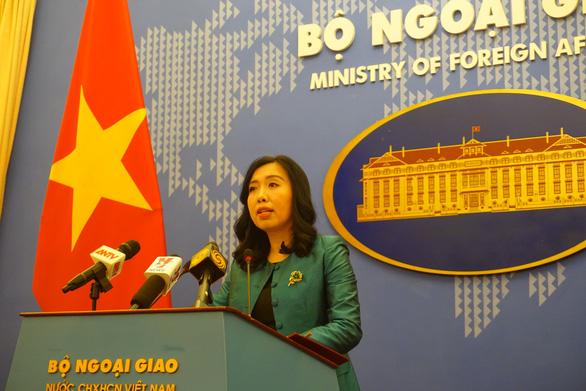Trung Quốc phóng tên lửa ở Trường Sa, Việt Nam đề nghị tôn trọng luật biển - Ảnh 1.