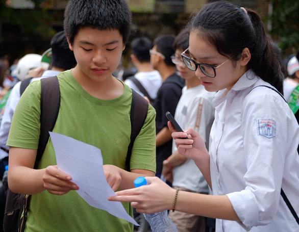 Sở GD-ĐT Hà Nội công bố đáp án thi vào lớp 10 - Ảnh 1.