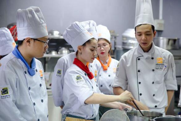 Cơ hội và thách thức cho đầu bếp thời đại 4.0 - Ảnh 1.