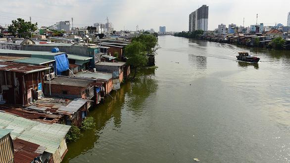 TP.HCM hạn chế xây nhà tái định cư: Người dân bị thu hồi đất lo lắng - Ảnh 1.