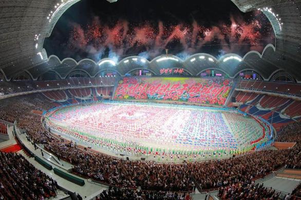 Triều Tiên hoãn lễ hội biển người sau cơn thịnh nộ của ông Kim - Ảnh 2.