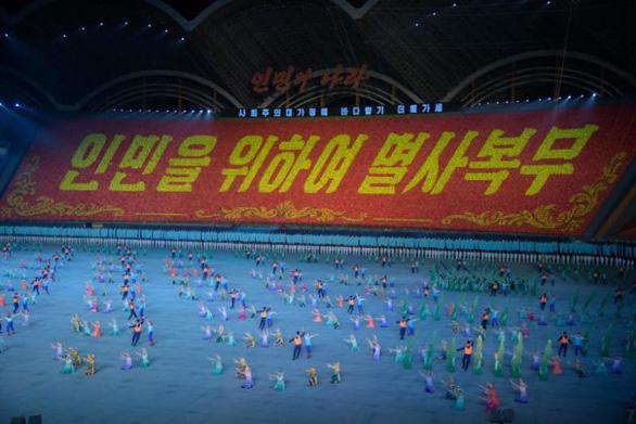Triều Tiên hoãn lễ hội biển người sau cơn thịnh nộ của ông Kim - Ảnh 1.