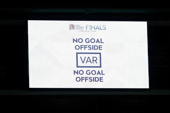 VAR và hàng thủ thảm họa khiến tuyển Anh gục ngã - Ảnh 2.