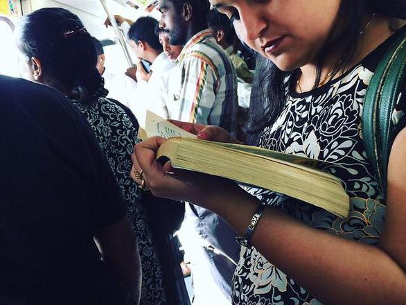 Đi Ấn Độ, thú vị với hàng rong sách - Ảnh 3.