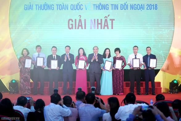 Thủ tướng Nguyễn Xuân Phúc: Đấu tranh chống các luận điệu xuyên tạc, sai trái - Ảnh 2.