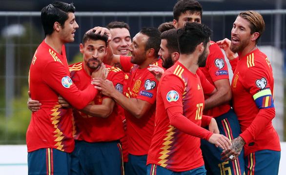 Tây Ban Nha đè bẹp Đảo Faroe ở vòng loại Euro 2020 - Ảnh 2.