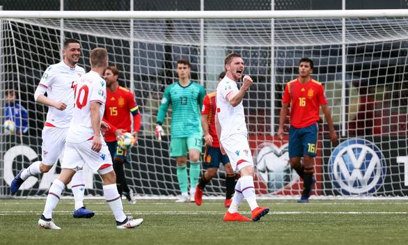 Tây Ban Nha đè bẹp Đảo Faroe ở vòng loại Euro 2020 - Ảnh 3.
