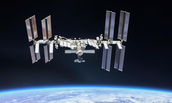 NASA mở tour lên ISS giá hơn 800 triệu đồng/đêm - Ảnh 1.