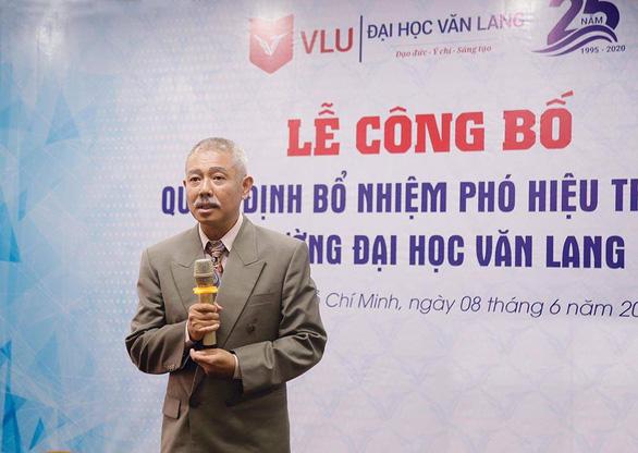 Giáo sư quần đùi làm phó hiệu trưởng Đại học Văn Lang - Ảnh 1.