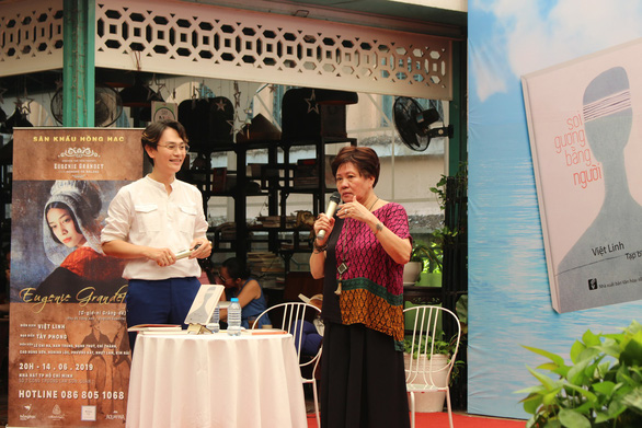 Đạo diễn Việt Linh 'soi gương bằng người' - Ảnh 3.