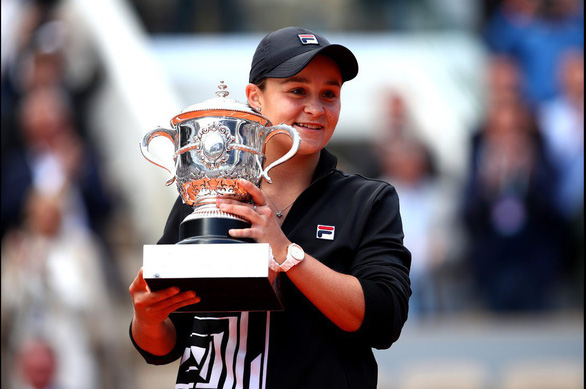 Tay vợt Úc từng tính bỏ quần vợt vô địch Roland Garros - Ảnh 1.
