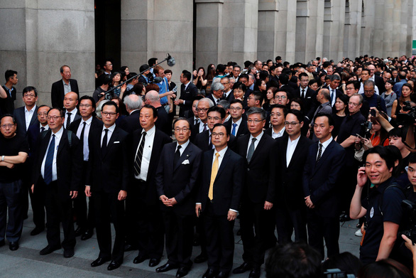 Biểu tình cực lớn ở Hong Kong phản đối dự luật dẫn độ - Ảnh 6.
