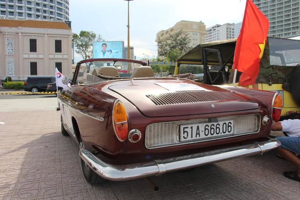 400 xe Vespa và ôtô cổ hội ngộ tại Nha Trang - Ảnh 7.