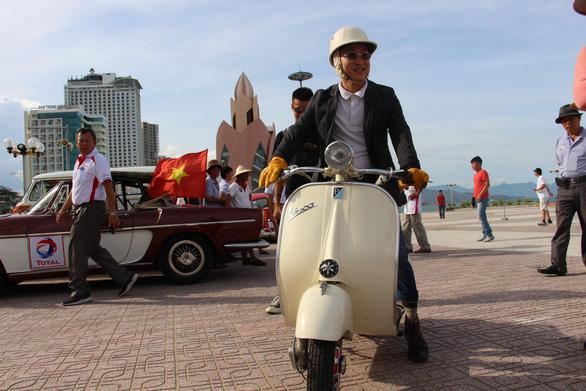 400 xe Vespa và ôtô cổ hội ngộ tại Nha Trang - Ảnh 11.