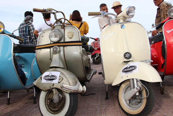 400 xe Vespa và ôtô cổ hội ngộ tại Nha Trang - Ảnh 3.