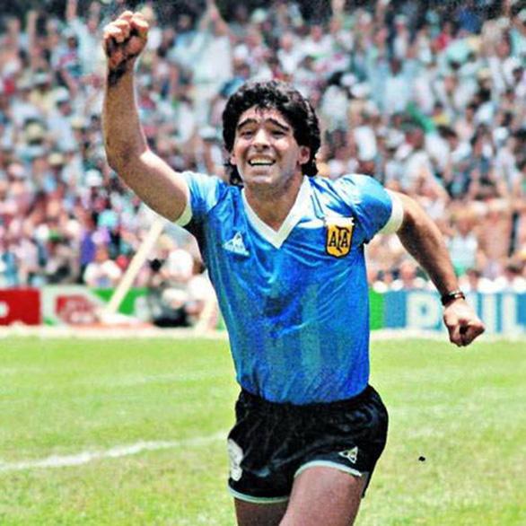 Ngũ đại tông sư thế giới bóng đá: Chỉ mình Cruyff là thánh - Ảnh 5.