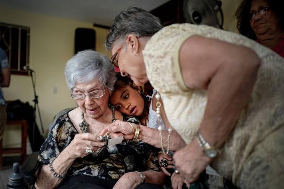 Ngạc nhiên Cuba: Lương 30USD, thọ trung bình 79,5, 2.070 người trên 100 tuổi - Ảnh 1.