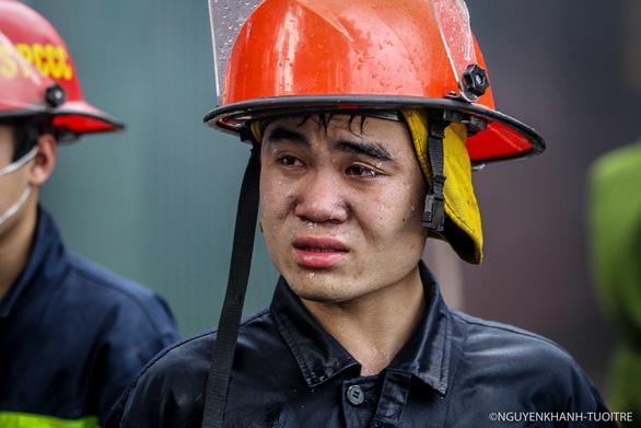 Ảnh lính cứu hỏa ở Hà Nội của Tuổi Trẻ thành lính chữa cháy rừng Hà Tĩnh? - Ảnh 1.