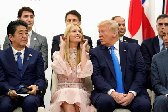 Ivanka Trump nổi bật trong chuyến công du châu Á của cha - Ảnh 1.