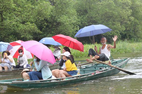Du lịch Việt Nam bị cảnh báo chạm tới điểm bùng phát - Ảnh 1.