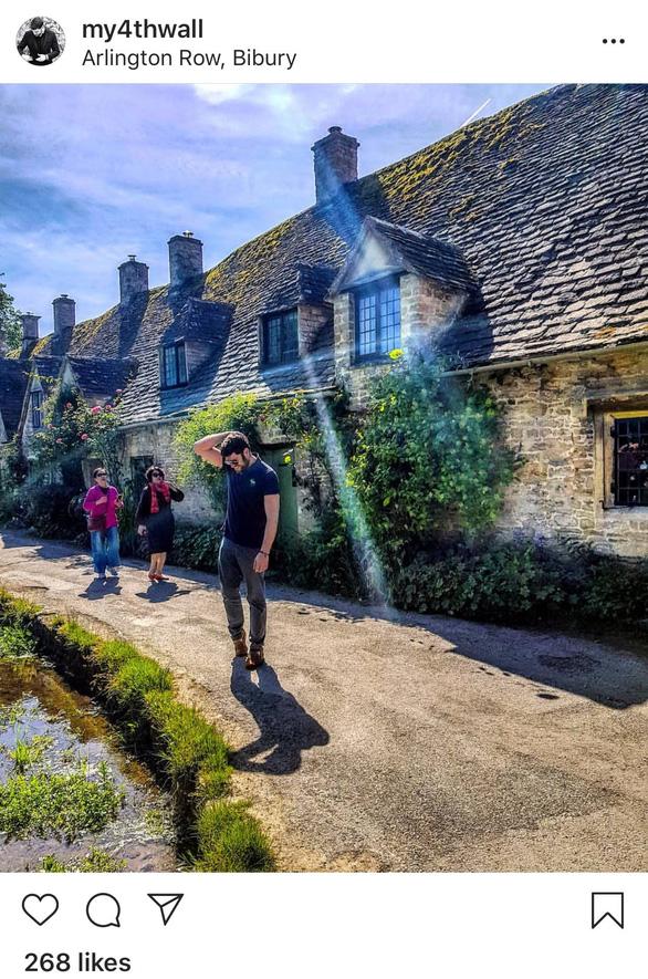 Nhà đẹp quá, du khách rần rần tới chụp ảnh, nhiều người Anh bán nhà - Ảnh 4.
