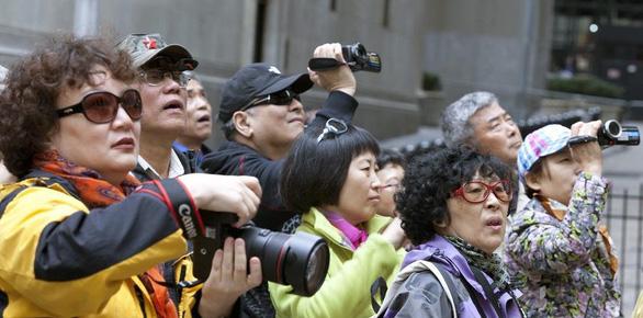 Bị Mỹ trừng phạt, Iran miễn thị thực cho khách Trung Quốc để thu thêm ngoại tệ - Ảnh 1.