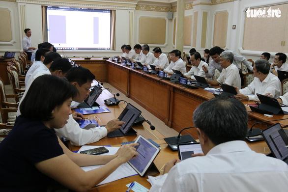 Lãnh đạo UBND TP.HCM tập huấn phòng họp không giấy - Ảnh 2.