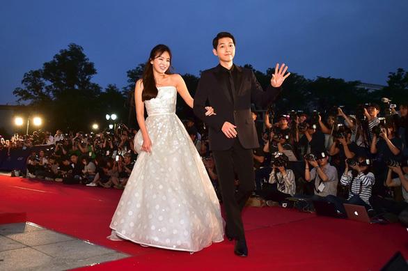 Song Joong Ki và Song Hye Kyo ly hôn: khối tài sản 100 tỉ won ra sao? - Ảnh 1.