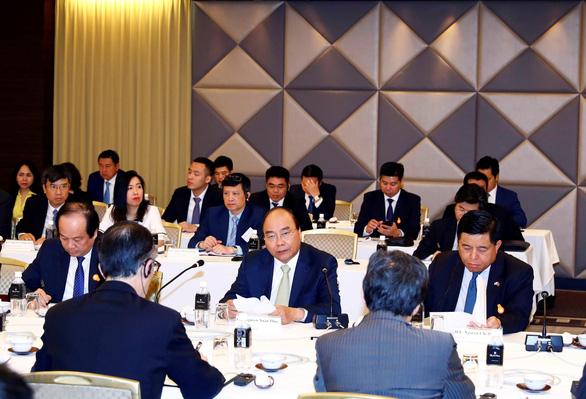 Thủ tướng Việt Nam và Thủ tướng Nhật Bản chứng kiến lễ trao đổi các văn kiện hợp tác - Ảnh 3.