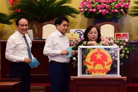 Hà Nội bãi miễn tư cách đại biểu HĐND TP với cựu bí thư Huyện ủy Phúc Thọ - Ảnh 1.