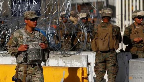 Lính Mỹ bị bắt vì nhận tiền giúp người nhập cư vượt biên - Ảnh 1.