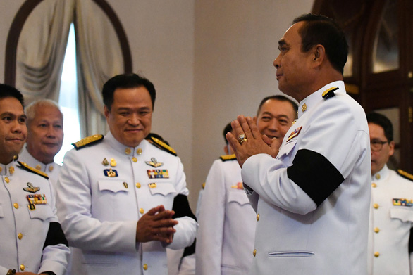 Nhà vua phê chuẩn nội các chính phủ mới của Thái Lan - Ảnh 1.
