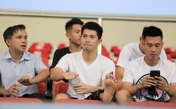 U23 Việt Nam thắng sát nút U18 tỉ số 1-0, HLV Park nhiều lần... lắc đầu  - Ảnh 3.