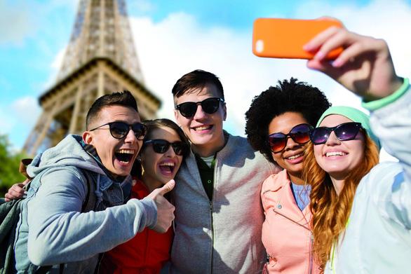 Muốn kỳ nghỉ nhóm thành công, phải quán triệt về mạng xã hội! - Ảnh 1.